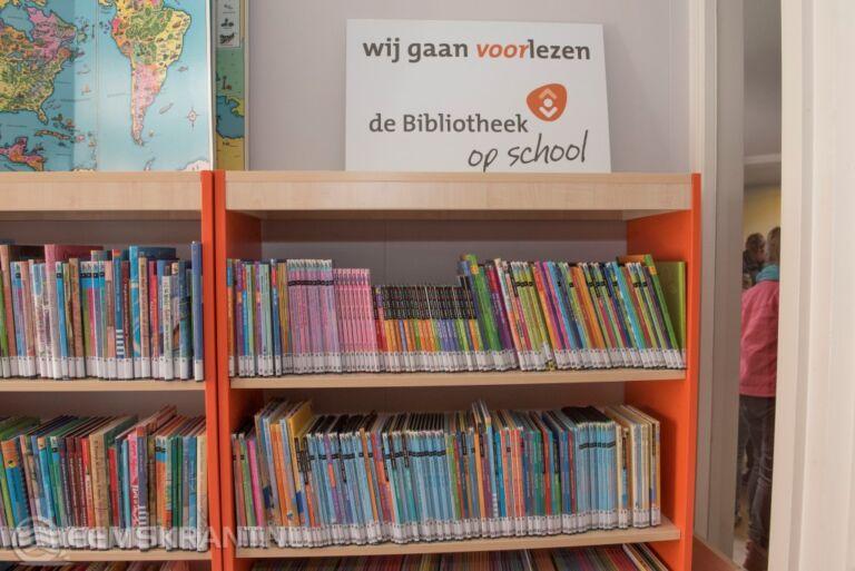 Wethouders openen bibliotheken op scholen in Delfzijl en Termunterzijl