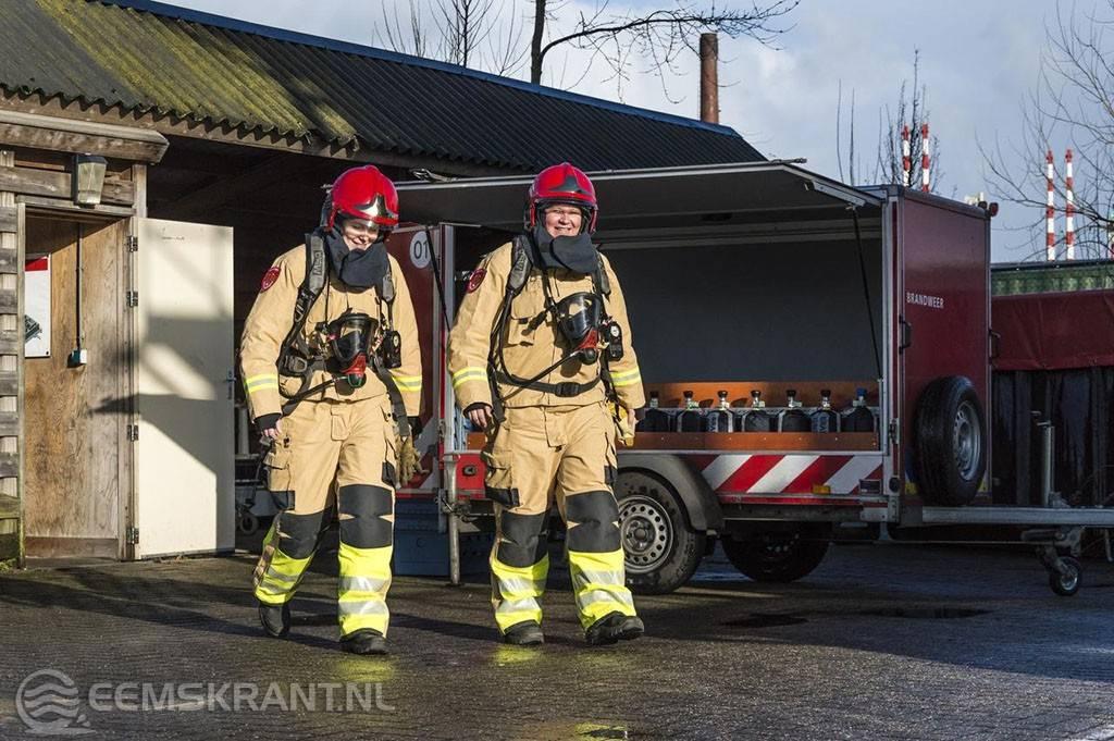 Werkplein Fivelingo Gaat Nieuwe Bluskleding Van De Brandweer